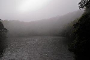 Lac du cratère du volcan Barva (2 906 mètres d'altitude / 8m de profondeur / 70m de diamètre)<br> Parc national Braulio Carrillo<br> Le Costa-Rica