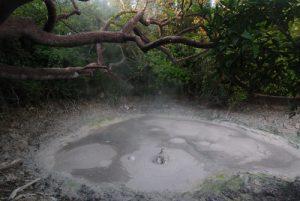 Fumerolles volcaniques Pailas de barro<br> Parc du volcan Rincon de la Vieja<br> Costa-Rica