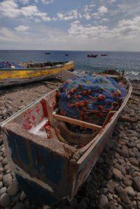 Bateaux colorés de pêcheurs<br> Côte sud à Pointe Michel<br> Île de la Dominique (Dominica)