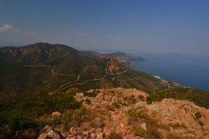 Vue sur le Pic de l'Ours depuis le Pic du Cap Roux -  Réserve biologique de l'Esterel