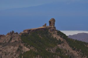 Le Roque Nublo depuis le Pico de Las Nieves<br> Paysaje Protegido de Las Cumbres<br> Île de Grande Canarie