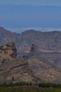 Le Roque Bentayga depuis le Pico de Las Nieves<br> Paysaje Protegido de Las Cumbres<br> Île de Grande Canarie