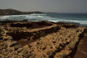 Habitations guanches près du village de Casas de Agujero<br> Île de Grande Canarie