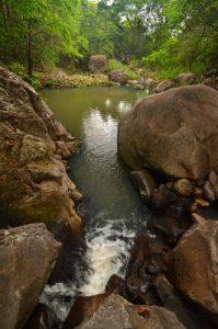 Cascade Kalinago -  Site des Roches Gravées par les indiens Caraïbes -  Guadeloupe