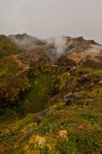 Les gouffres Dupuy et Tarissan depuis le sommet de La Découverte de La Soufrière -  Parc national de la Guadeloupe -  Basse-Terre / Guadeloupe