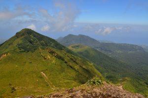 L'Echelle, la Citerne et les Monts Caraïbes depuis La Soufrière -  Parc national de la Guadeloupe Basse-Terre / Guadeloupe