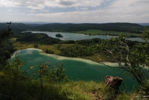 Belvédère des Trois Lacs<br> Le lac Grand Maclu<br> Parc régional du haut Jura