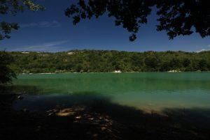 Lac de Vouglan au pont de la Pyle<br> Parc régional du haut Jura