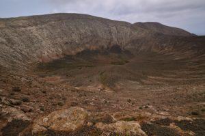Le Cratère du volcan Caldera Blanca (1000m de diamètre, 460m).<br> Parque nacional de los volcanes.<br> Île de Lanzarote (Islas Canarias).