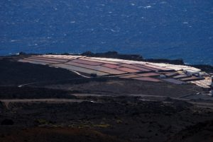 Les Salines du Faro de Fuencaliente depuis le Volcan Teneguia Île de La Palma