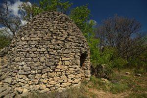 Borie en pierres sèches<br> Sentier des Subarroques<br> Parc Naturel Régional du Lubéron