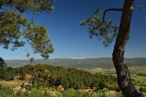 Point de vue sur le Mont Ventoux depuis Roussillon<br> Parc Naturel Régional du Lubéron