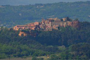 Le village de Roussillon<br> La Colline de Perreal<br> Parc Naturel Régional du Lubéron