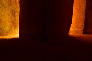 Jeu de lumière dans les mines d'ocre de Bruyère<br> Parc Naturel Régional du Lubéron