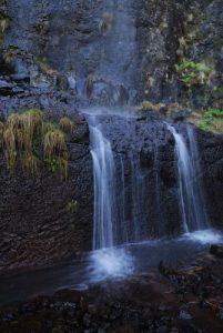 Cascade sur la Levada Da Sera - Pinaculo Bica Di Cana Île de Madère