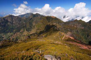 Point de vue du sommet du Pico Ruivo (Alt. 1862m) Paysages le long du sentier de Achada do Teixeira à Pico Ruivo Île de Madère