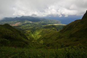 Vue sur le Sud de l'île de la Martinique depuis l'Aileron<br> La Montagne Pelée<br> Île de la Martinique