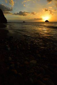 Anse Couleuvre au coucher du soleil<br> Parc Naturel Régional de La Martinique