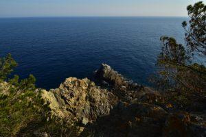 La pointe du Rocher de la Croix<br> Île de Porquerolles<br> Le Massif des Maures