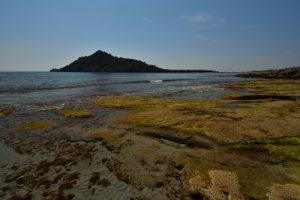 Sentier côtier entre la pointe de la Douane et le cap Taillat<br> Le Massif des Maures
