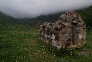 Paysage du sentier de la cabane de la Doule<br> Région de Foix<br> Parc Naturel Régional des Pyrénées Ariégeoises