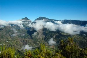 Vue sur la roche Ecrite, le Cimendef, la Fenêtre et le Cirque de Salazie depuis Bélouve<br> Île de la Réunion