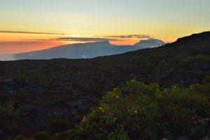 Le massif du Piton des Neiges depuis la route du Volcan de la Fournaise<br> Parc National de la Réunion
