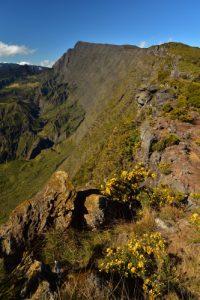 Vue sur le Cirque de Mafate Sud, le Piton des Neiges, le Col de Taïbit et le Grand Bénare<br> Point de vue du Maïdo<br> Parc National de la Réunion