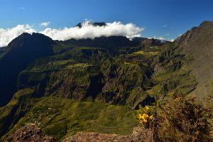 Vue sur le Cirque de Mafate Sud, le Gors-Morne, le Piton des Neiges, le Col de Taïbit et le Grand Bénare<br> Point de vue du Maïdo<br> Parc National de la Réunion