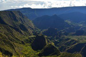 Vue sur le Cirque de Mafate Nord, la Crête des Orangers, d'Aurère et de la Marianne<br> Point de vue du Maïdo<br> Parc National de la Réunion