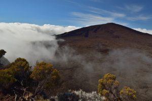 Le Piton de la Fournaise depuis le Pas de Bellecombe.<br> Parc National de la Réunion
