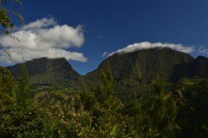 Vue sur la Roche Ecrite, la Fenêtre et le Cimendef au Grand-Bord.<br> Le Cirque de Salazie<br> Île de la Réunion