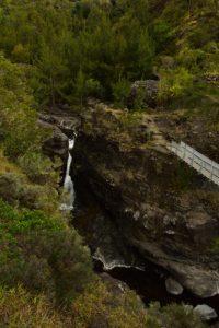 Cascade de la rivière des Galets à la passerelle José Ethève.<br> Le Cirque de Mafate<br> Parc National de la Réunion