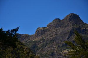 Les 3 Salazes depuis la cascade des 3 Roches<br> Le Cirque de Mafate<br> Parc National de la Réunion