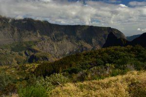 Le rempart du Maïdo à Sans-Souci.<br> Le Cirque de Mafate<br> Parc National de la Réunion