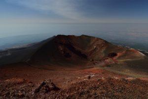 Le cratère du cône de l'éruption de 2003<br> Parco Dell'Etna<br> Île de La Sicile