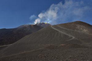 Les cratères sommitaux de l'Etna depuis La Montagnola<br> Parco Dell'Etna<br> Île de La Sicile