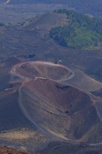 Les cratères des Monte Silvestri depuis La Montagnola<br> Parco Dell'Etna<br> Île de La Sicile