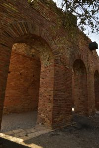 Le théâtre antique gréco-romain (IIIs av JC) de Taormina<br> Le village de Taormina<br> Île de La Sicile