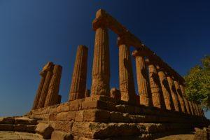 """Le Temple grec """"Tempio de Giunone"""" de la cité d'Akragas<br> La vallée des temples (Valle dei Templi)<br> Île de La Sicile"""