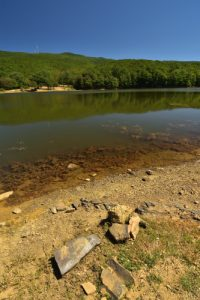 Le Lac de retenue Maulazzo<br> Parco dei Nebrodi<br> Île de La Sicile