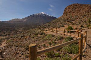 Le Teide depuis Sentier de La Fortaleza<br> Parc national du Teide<br> Île de Tenerife (Islas Canarias)