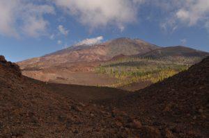 Volcans Teide, Pico viejo &amp; Revendata depuis le cratère de Montana Samara<br> Parc national du Teide<br> Île de Tenerife (Islas Canarias)