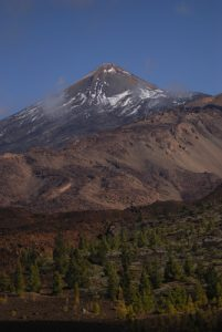 Le volcan Teide (3718m) depuis le sentier de las Montanas Samara &amp; Reventada<br> Parc national du Teide<br> Île de Tenerife (Islas Canarias)