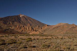 Pico Viejo, plaine de Ucanca, le volcan Teide (3718m) et Los Roques de Garcia<br> Parc national du Teide<br> Île de Tenerife (Islas Canarias)