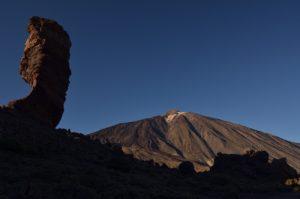 Le volcan Teide (3718m) et Los Roques de Garcia<br> Parc national du Teide<br> Île de Tenerife (Islas Canarias)