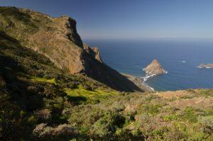 Point de vue de la Montana Tafada sur le sentier de Chamorga au Phare de Anaga<br> Parc Macizo de Anaga<br> Île de Tenerife (Islas Canarias)