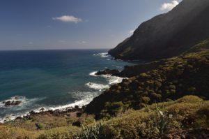 La mer à Casas blancas sur le sentier de Chamorga au Phare de Anaga<br> Parc Macizo de Anaga<br> Île de Tenerife (Islas Canarias)