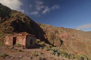 Le village Roque Bermejo sur le sentier de Chamorga au Phare de Anaga<br> Parc Macizo de Anaga<br> Île de Tenerife (Islas Canarias)