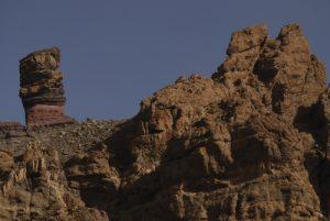 El Roque de Cinchado, forme anthropomorphe résultat de l'érosion de vieilles cheminées et coulées de lave de Los Roques de Garcia<br> Parc national du Teide<br> Île de Tenerife (Islas Canarias)